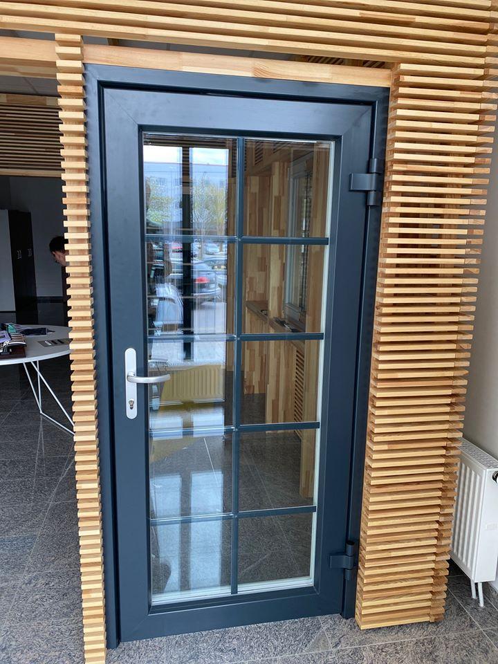 Mediniai langai, mediniu langu gamyba Zyle Fenster mediniu langu ekspozicija - ofisas Kaune zylefenster.lt
